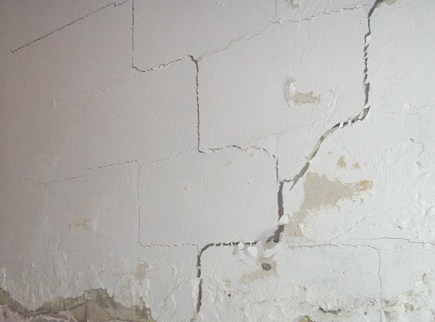 concrete-cracked-storm-shelter